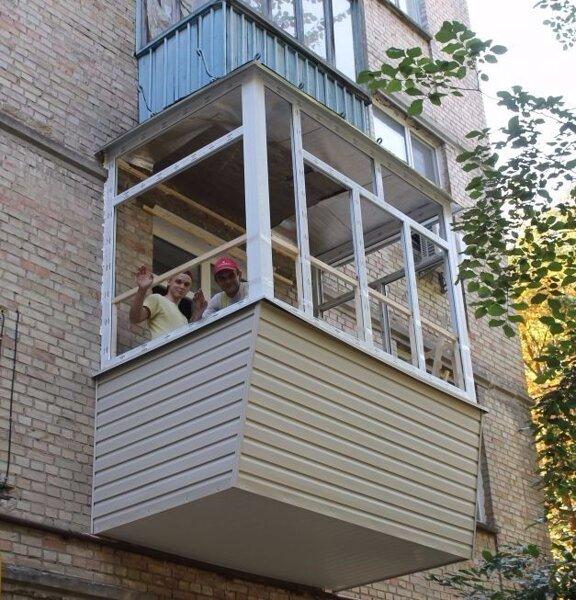 Остекление балкона сталинка..