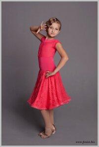 5e6c47ab371 Платье рейтинговое с гипюром